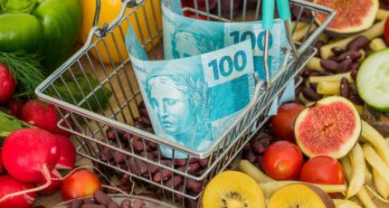 Мишустин призвал оперативно реагировать на рост цен на продукты