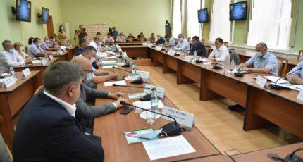Алексей Гордеев провел совещание с главами поселений в Воронежской области