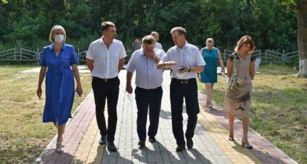 Депутат Государственной Думы Андрей Марков посетил три сельских поселения Грибановского района.